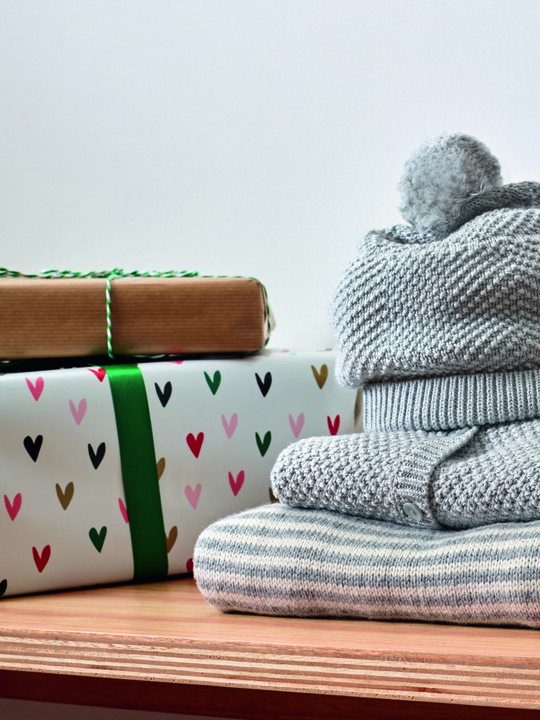 Knitted Blanket - Grey & White Stripe image number 4